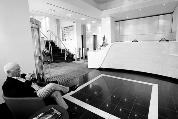 corporate_reception_desk